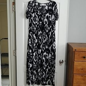 Black and white abstract maxi dress